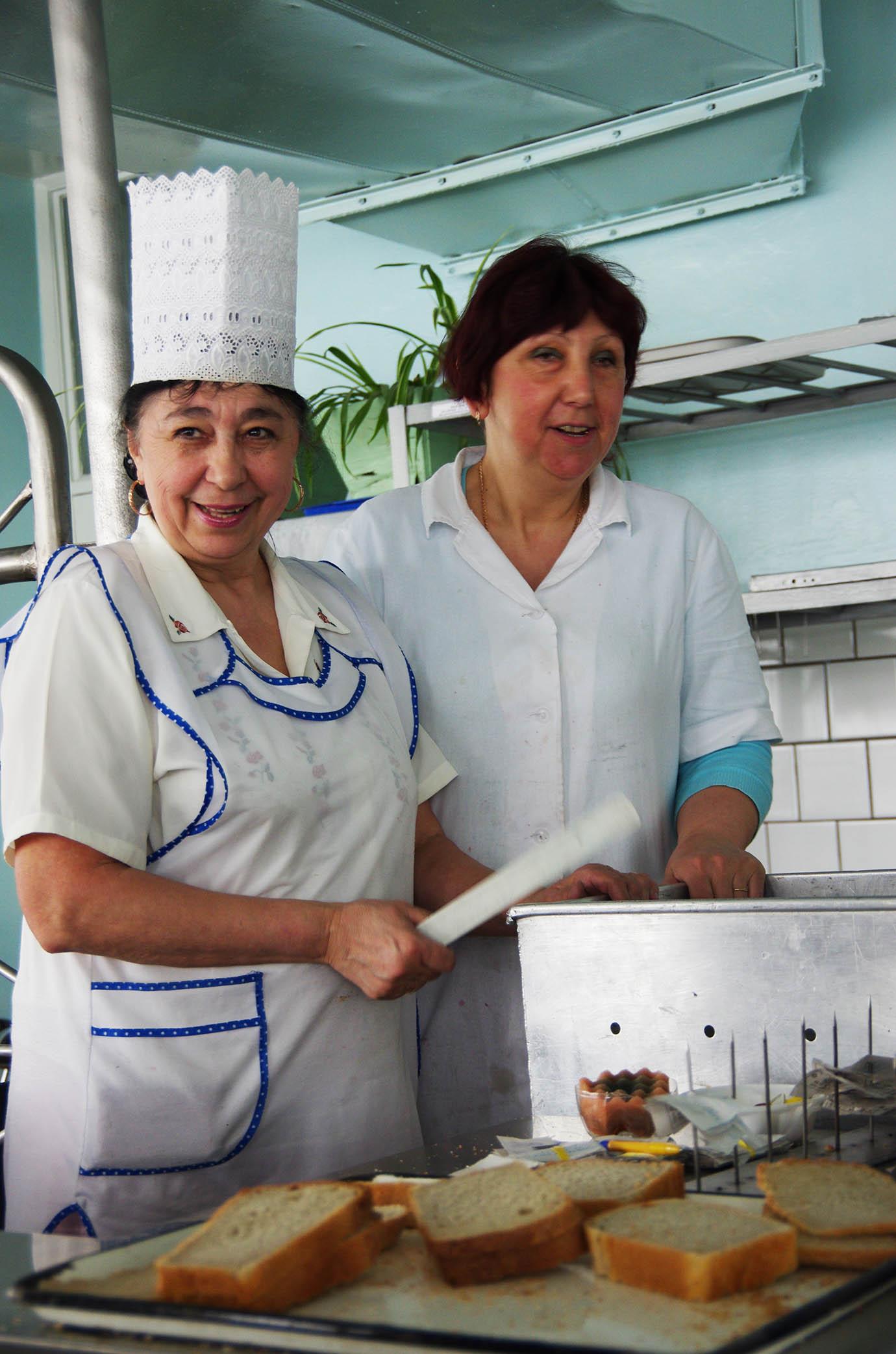 chernobyl-cafeteria85