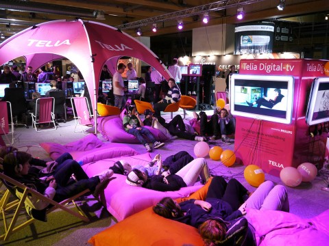 【ゲーマーグルメ】世界最大の対戦ゲーム祭典は冷凍食品を電子レンジで温める祭典 / ドリームハック