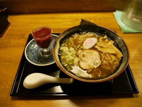 【奇抜グルメ】スッポンの血と一緒に食べるラーメン / スタミナと食欲を満たす