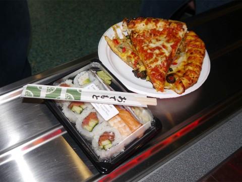 【遊戯グルメ】ゲームの祭典「E3」で食べた寿司ピザがちゃんとアメリカンで美味しかった