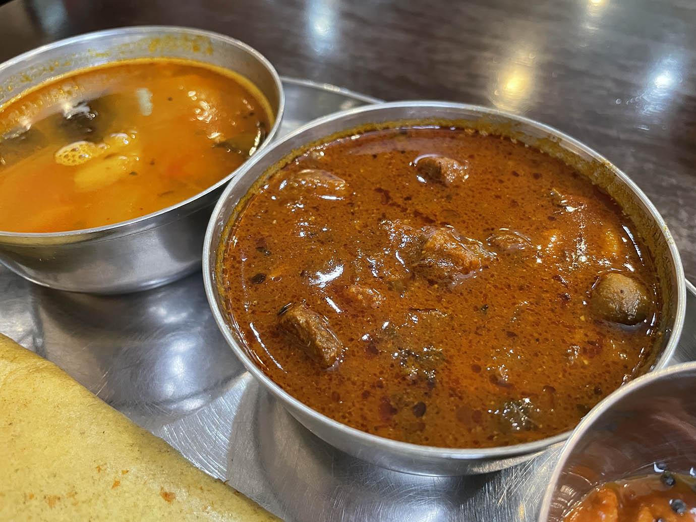 andhra-dhaba-onion-pesarattu1