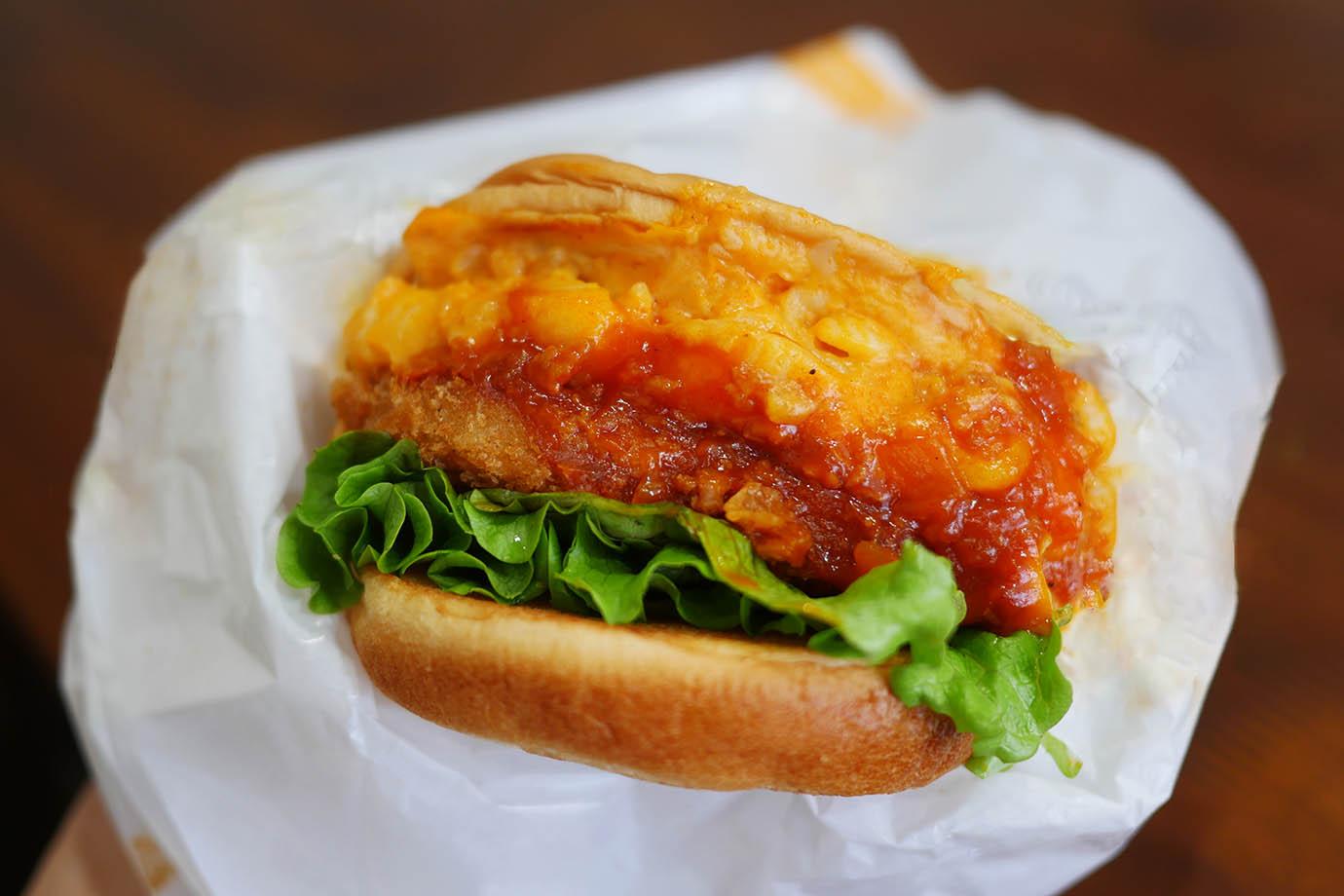 mos-mackencheese-croquette-burger1