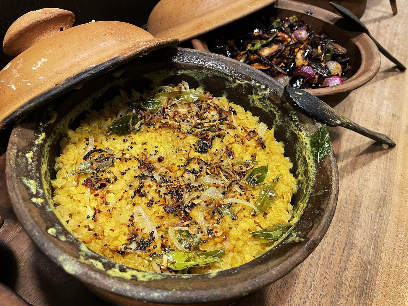 yum-yum-kade-curry-sri-lanka11