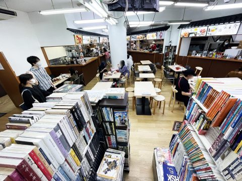【異国グルメ】本屋の中に本格中華料理店オープン! 客の多くが外国人というガチな食堂爆誕「食府書苑」
