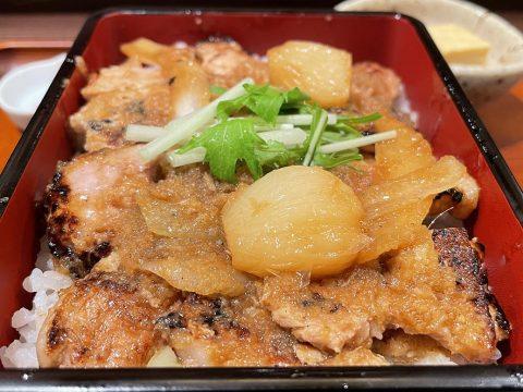 東京都文京区湯島で伝わる「生姜豚専門店 香登利」で生姜豚を食べる